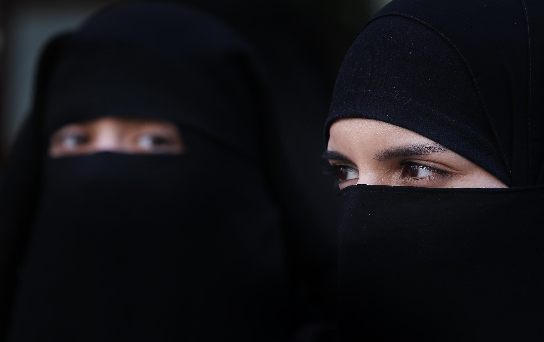 szaudi-nők
