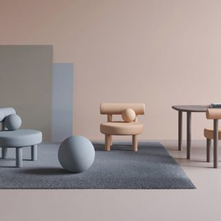 Színes székek tisztelegnek a Bauhaus előtt