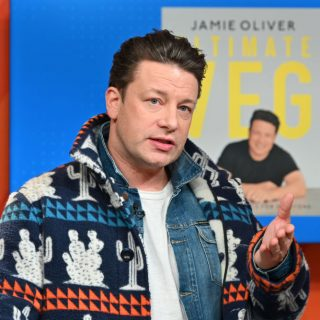 Jamie Oliver új főzőműsora a kamra tartalmára épít