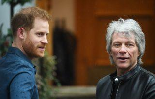 Harry herceg és Jon Bon Jovi megidézte a Beatlest
