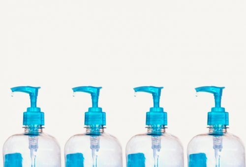 Parfüm helyett ingyen vírus elleni kézfertőtlenítőt gyárt ezentúl a luxuscég
