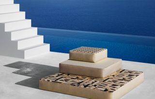 Hűvös kékséggel érkeznek az új Hermès lakástextilek