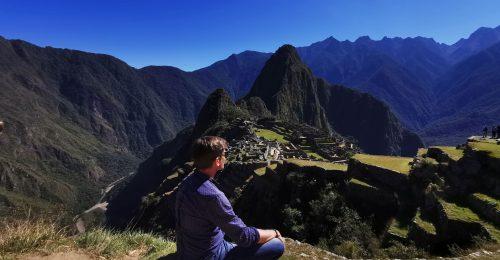 Peru: pálmafás oázis, szivárványszínű hegyek és szelfizés lámákkal