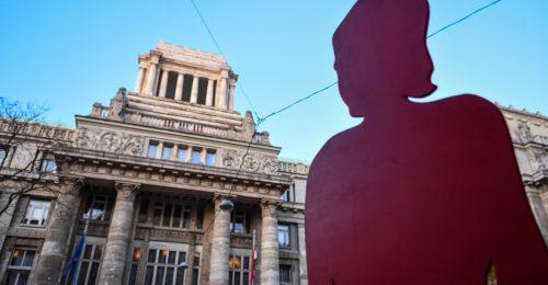 A családon belüli erőszak áldozatainak veszélyt jelenthet a karantén
