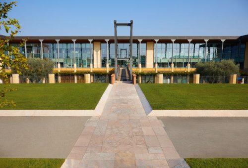 A Calzedonia is beszáll a járvány visszaszorítása elleni harcba
