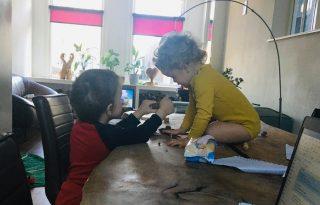 Karanténban Hollandiában: ilyen a home office két kisgyerekkel