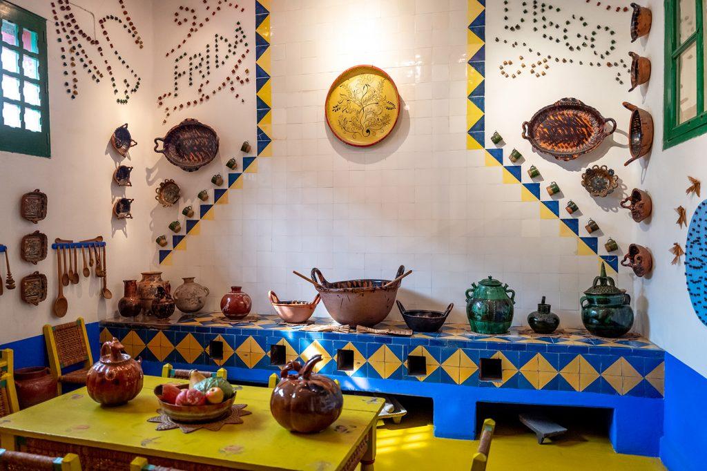 frida-lacasaazul-muzeum-kitchen