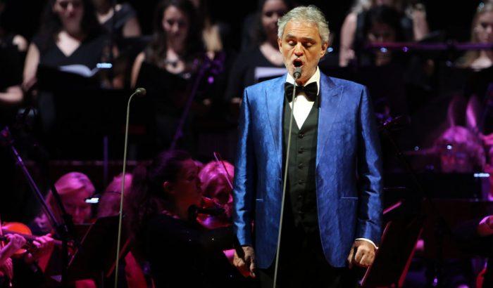 Andrea Bocelli élő minikoncerttel jelentkezik húsvétvasárnap
