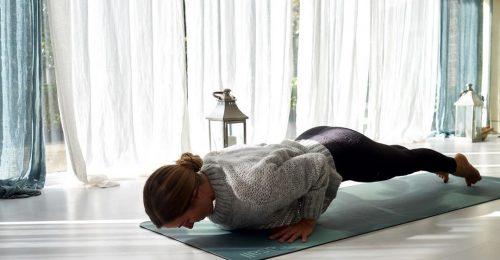 Hogyan erősítsünk a jógafekvőtámaszhoz?