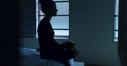 Egyre gyakoribb a fiatal nőknél az önbántalmazás