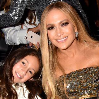 Jennifer Lopez 12 éves lánya könyvet ad ki