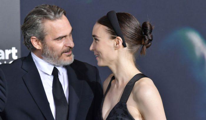 Joaquin Phoenix és Rooney Mara babája nagyon különleges nevet kapott