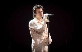 Harry Styles új slágere felér egy nyári divatbemutatóval