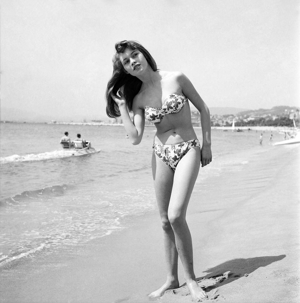 bridget-bardot-cannes-1953