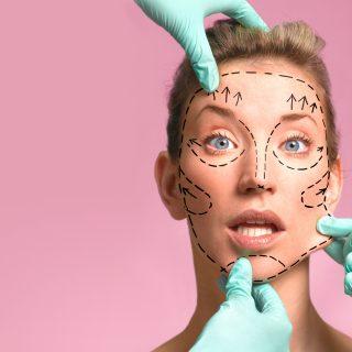 A hírességek könyörögnek a plasztikai műtétért a karantén alatt