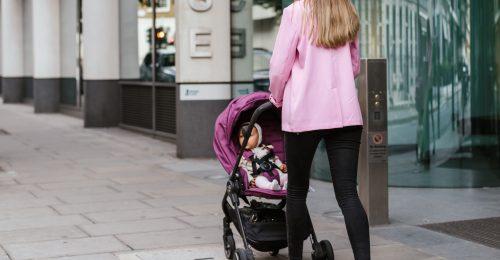 Miért van még mindig bűntudata a dolgozó anyának?