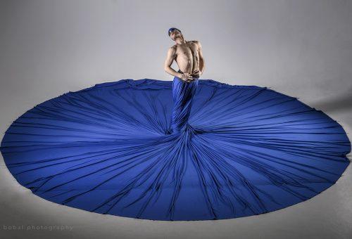 Maurer Milán táncos: A jelnyelv végtelen spirálja