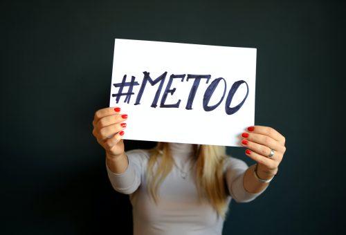 A #MeToo-kihívás TikTokon fedi fel a nők fájdalmas titkait