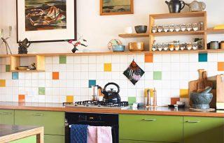 Kiegészítők, bútorok, lámpák: mi kell a retró konyhához?
