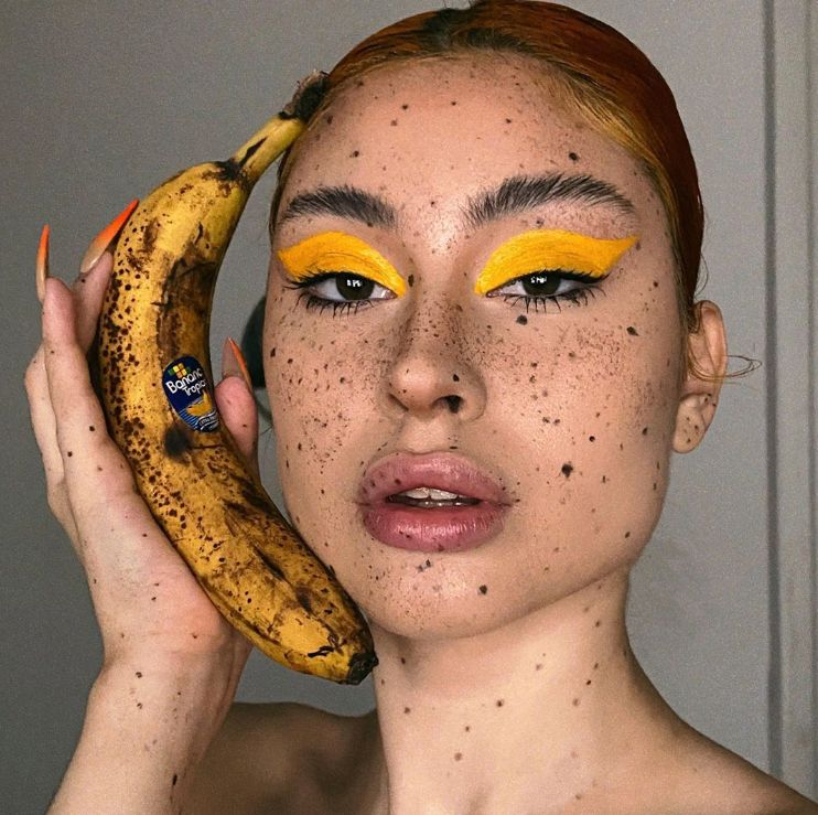 A legfurcsább szépségtrend: banán smink