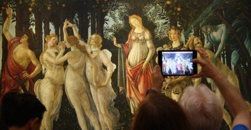 Az Uffizi Képtár mémjei meghódították a TikTokot
