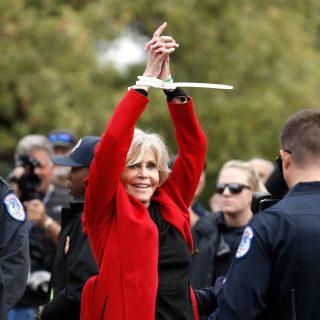 Hiába vitték el bilincsben, Jane Fonda sosem félt felemelni a hangját