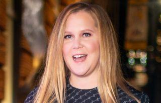 Amy Schumert bármikor felhívhatják a zaklatás áldozatai