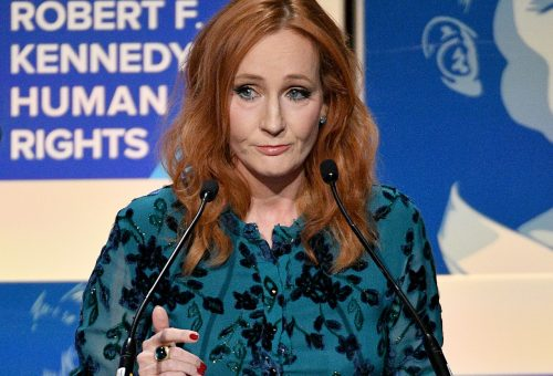 Már J.K. Rowling kiadójánál is áll a bál az írónő megjegyzései miatt