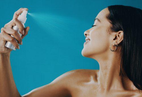 Szépségtitkok a forróságban: arcpermetek, a bőr szomjoltói