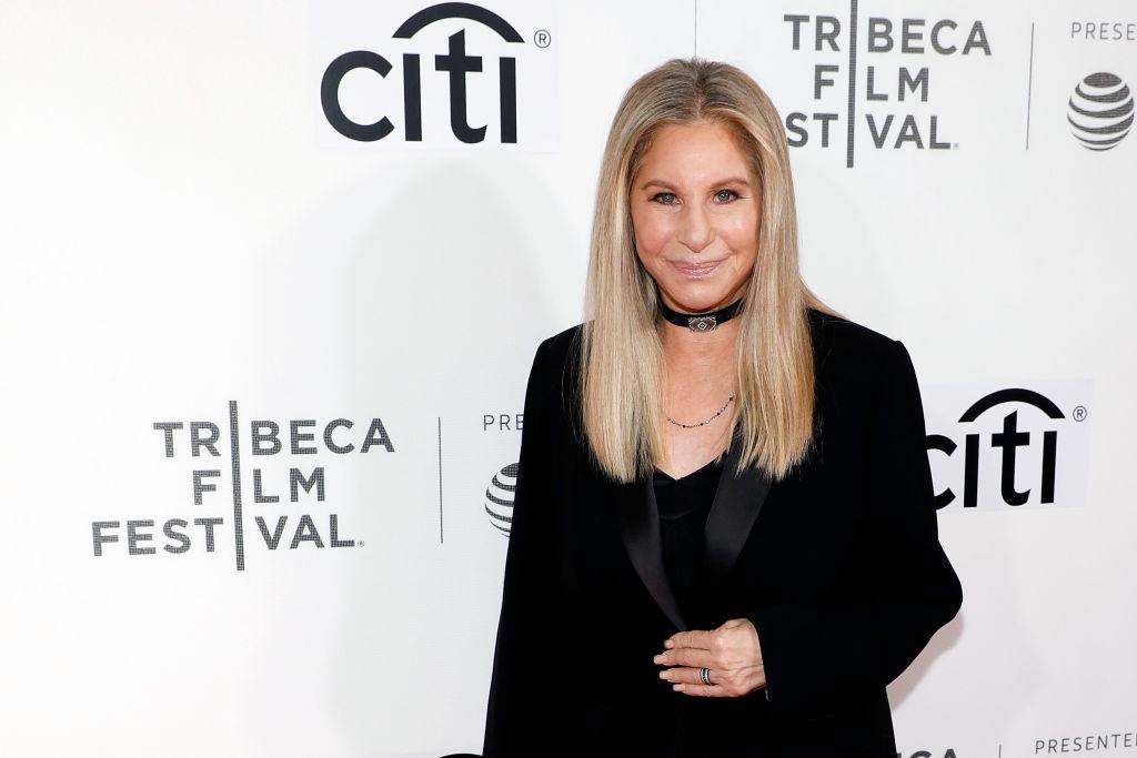 Barbra Streisand Disney-részvényt adományozott