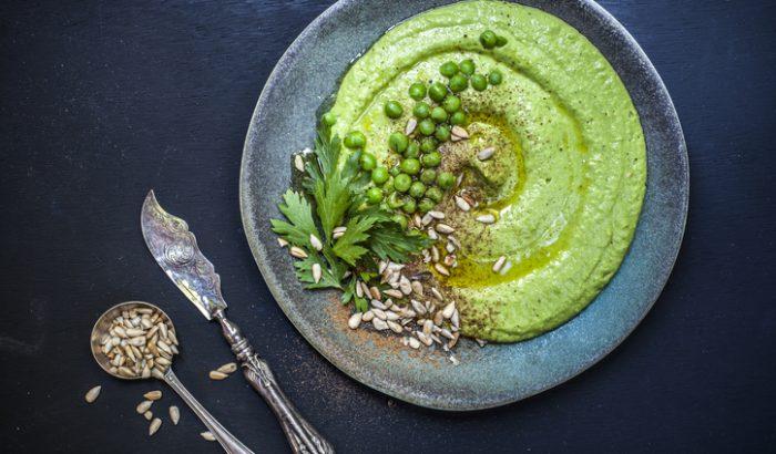 5 szemet gyönyörködtető zöldborsós recept a klasszikus főzeléktől az elegáns tarte-ig