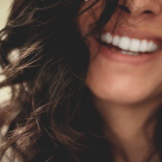 A mosolytól tényleg vonzóbbak leszünk?