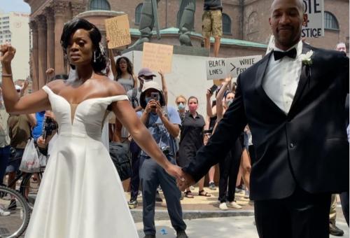 Van remény: házasság a tüntetés közepén
