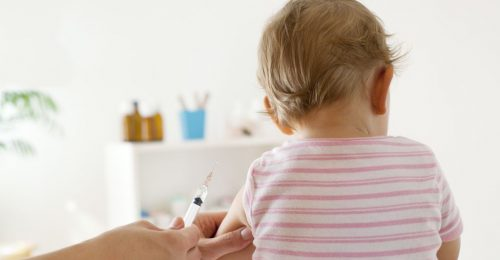 Ingyenes oltásfigyelmeztető rendszer segíti a feledékeny szülőket