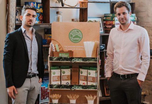 Ballagási pénzből papírszívószálat vett, és ma már az éttermeket zöldíti a két huszonéves vállalkozó