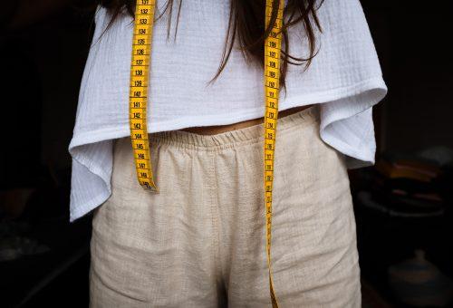 Klasszikus, kézzel és szívvel-lélekkel készített ruhák – interjú az Elischer R márkával