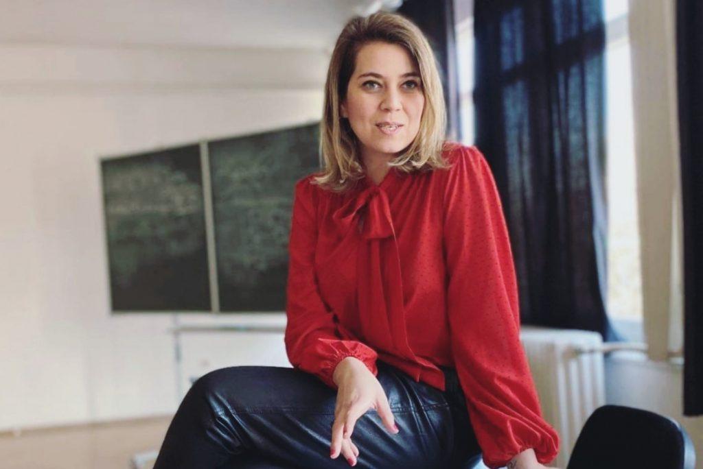 """""""Baromira nincsen szükség ennyi ruhára, és ez nagyon megterheli a környezetet"""" – interjú Szentesi Réka divatkutatóval"""