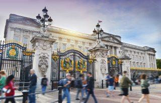 Először állítják ki a Buckingham-palota festményeit