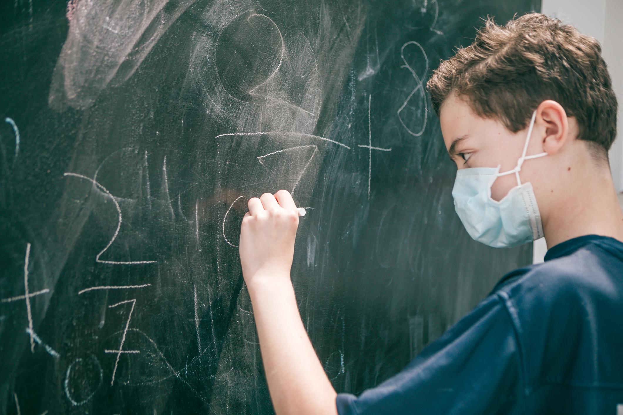 koronavirus-iskola