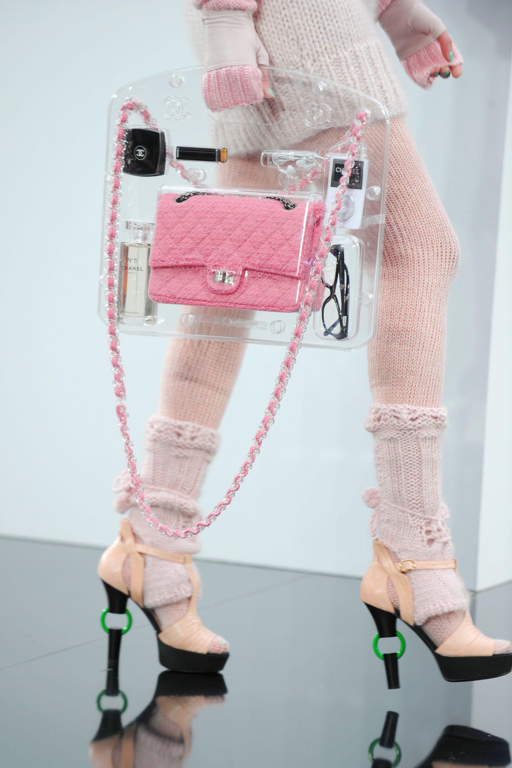 4. kép: 2009-es ready to wear kollekció kiegészítője volt ez a táska