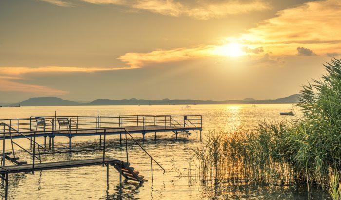 A Balaton déli partja: sokkal több mint hekk és lángos
