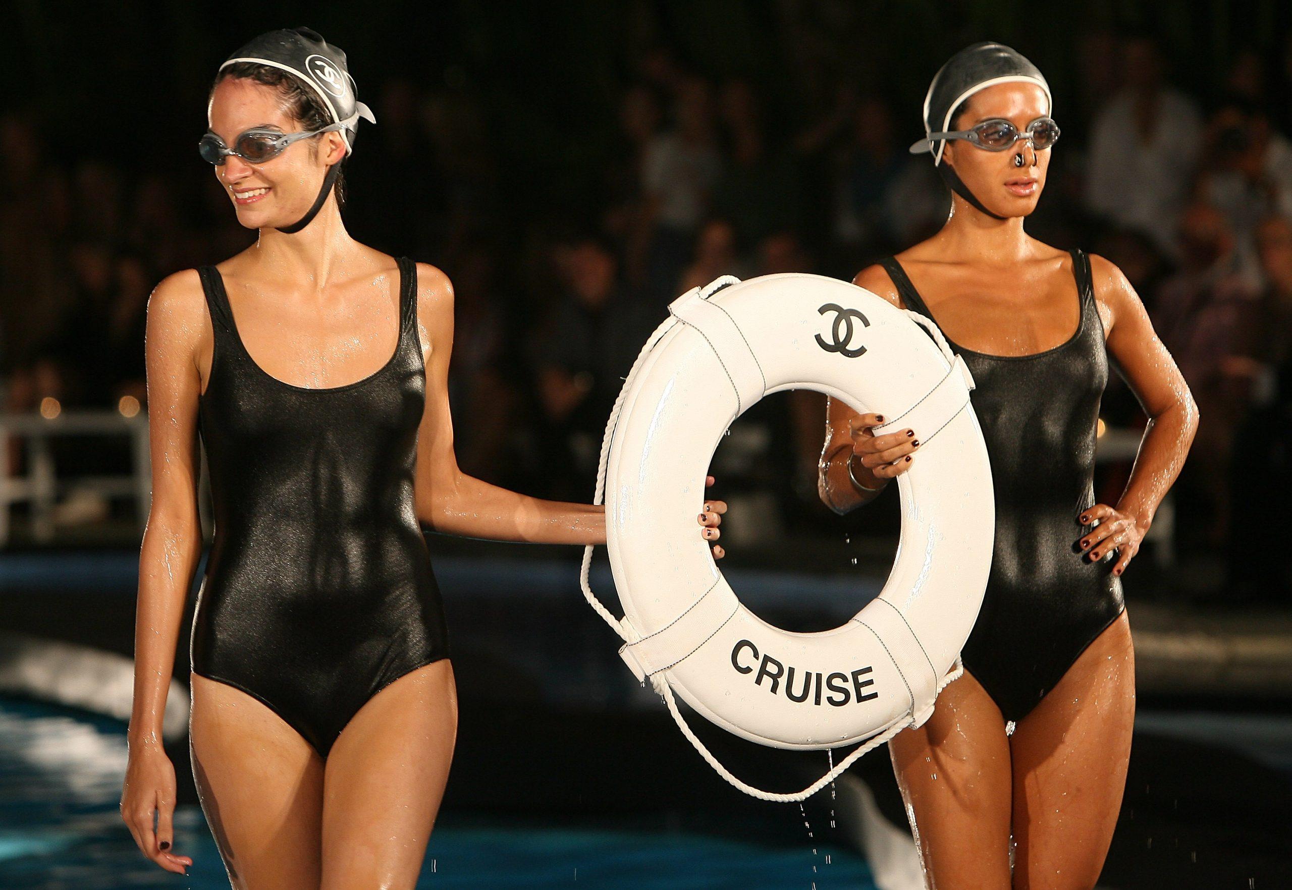 9. kép: A 2009-es Cruise kollekció része volt a mentőgyűrű