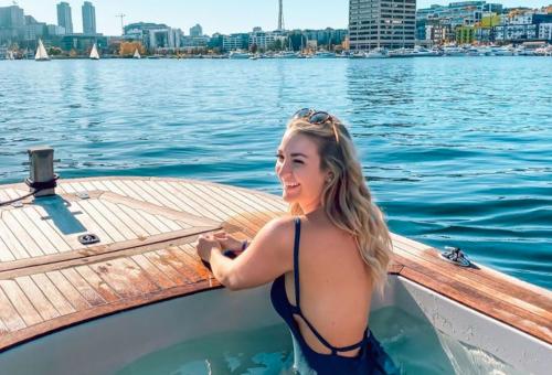 A csónakba épített pezsgőfürdő a legjobb dolog idén nyáron