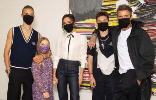 Victoria Beckham egyenmaszkba öltöztette családját