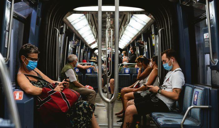 Koronavírus és tömegközlekedés: buszozzunk, vonatozzunk, metrózzunk biztonságosan!