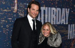 Bradley Cooper nagyon vigyáz édesanyjára