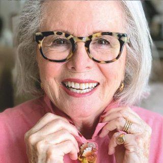 Beveszi az Instagramot a 80 éves szépségblogger