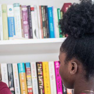 Ez az Instagram 7 legnépszerűbb könyvespolca