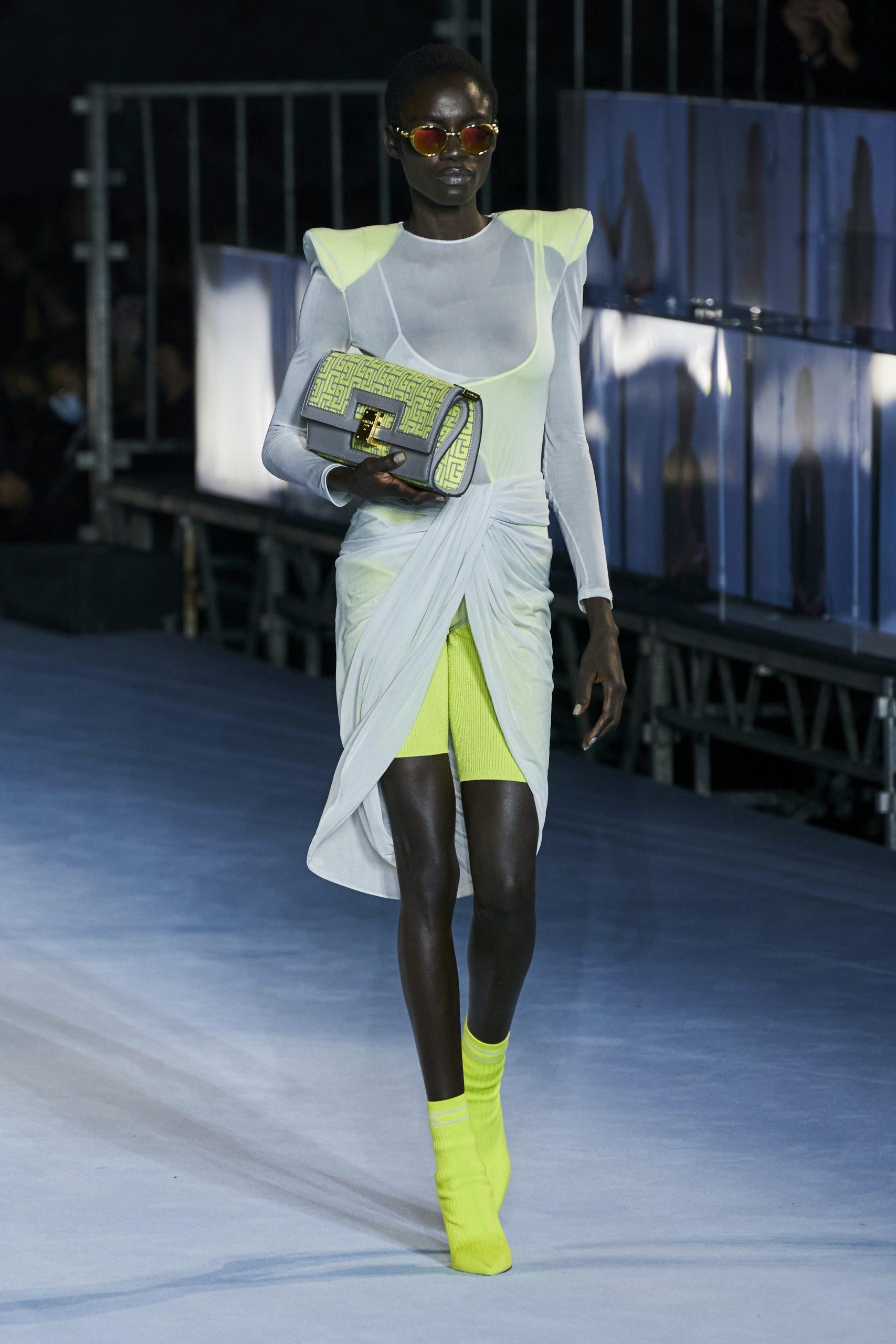 5. kép: Párizsi divathét - 2021-es tavaszi-nyári ready to wear kollekció - Balmain