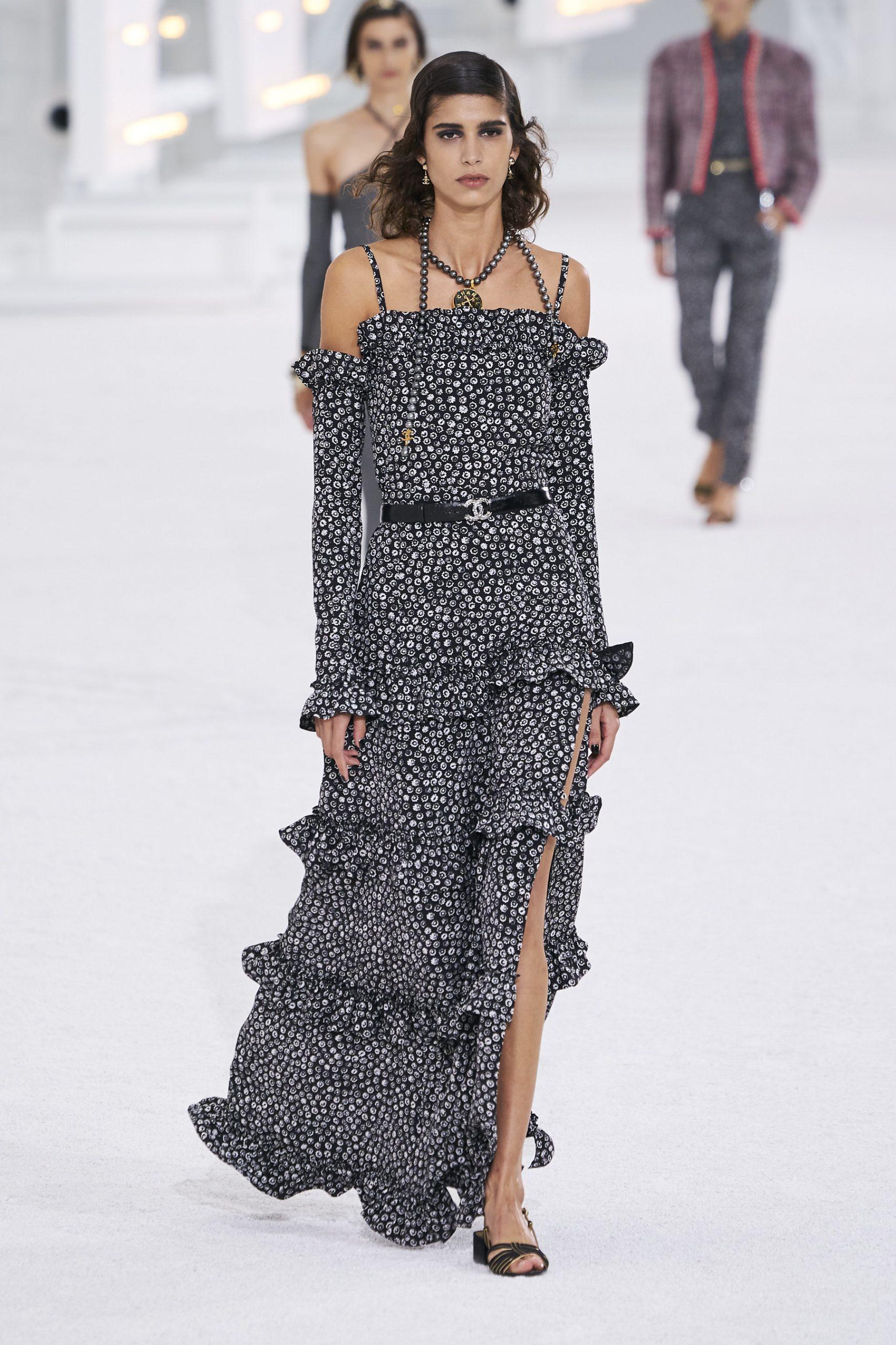 12. kép: Párizsi Divathét - Chanel - 2021 tavasz-nyár - ready to wear